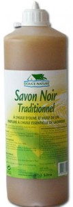 savon-noir-liquide-nettoyage-sol